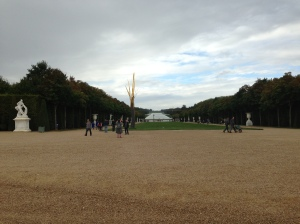 View from the Château Versailles down to the end Gardens